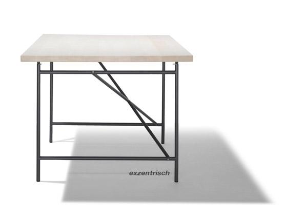 Eiermann Tisch 1 - exzentrisch