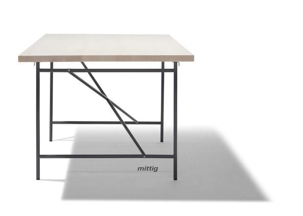 Eiermann Tisch 1 - mittig
